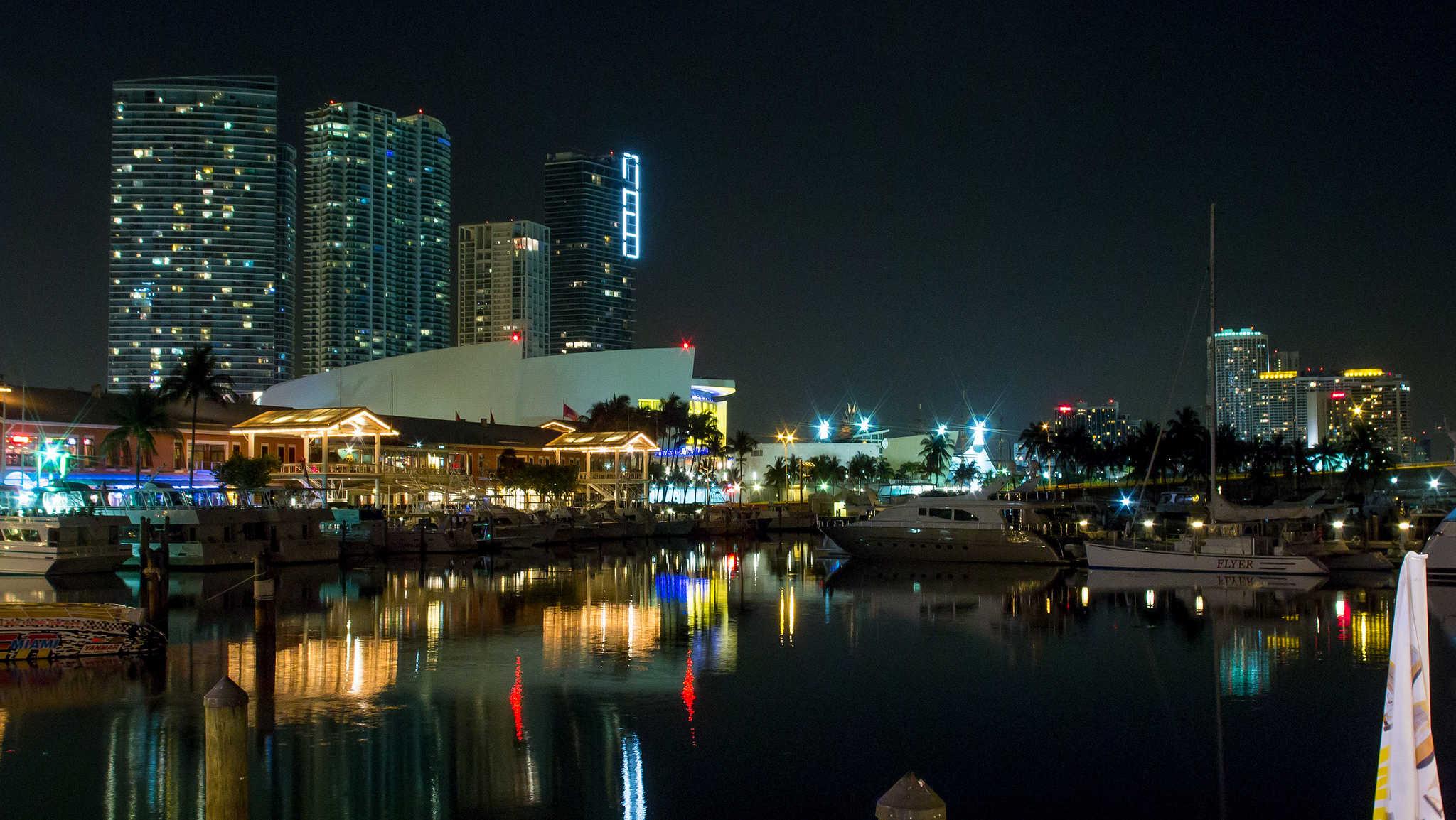 port de miami de nuit