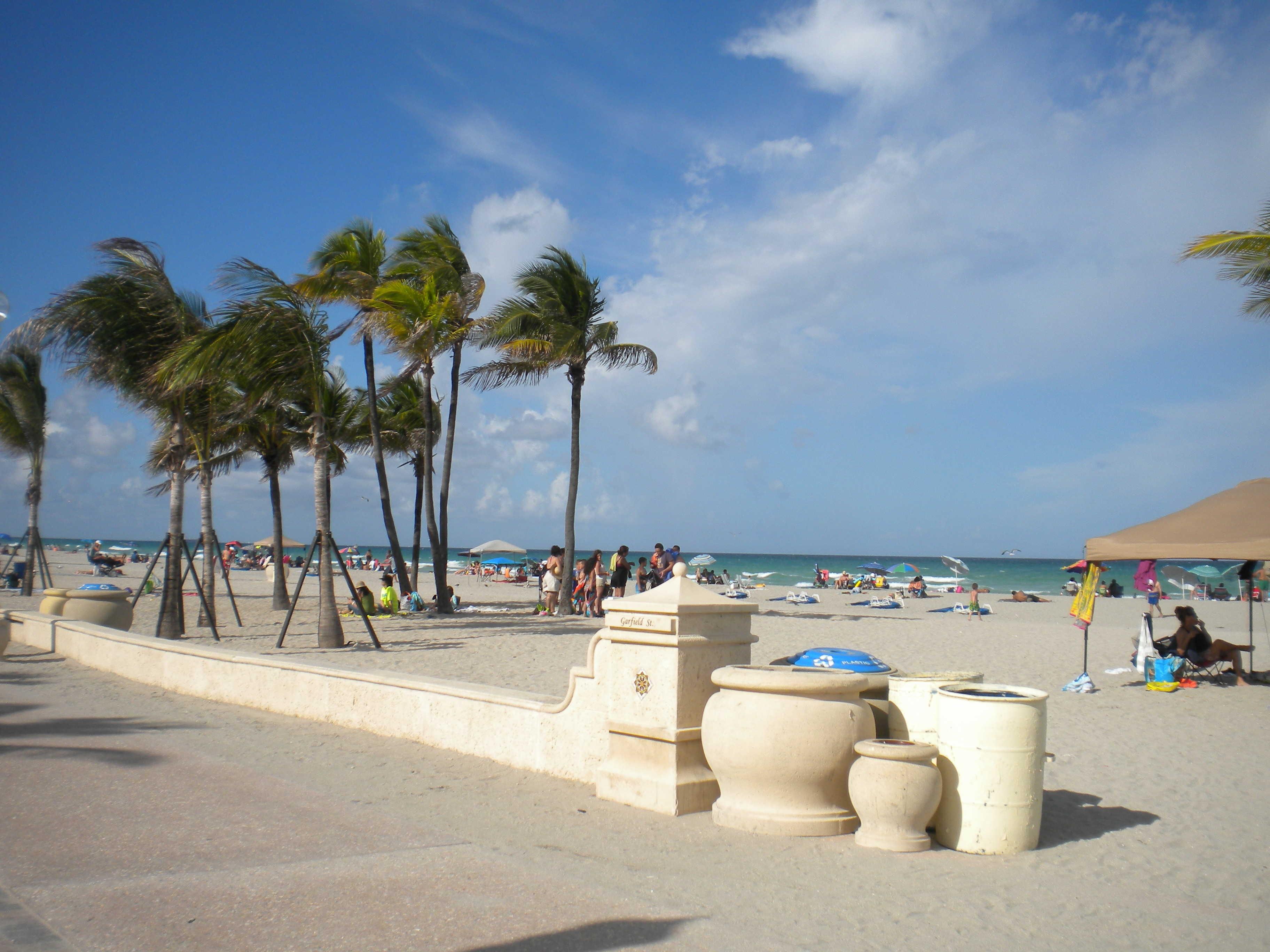 hollywood beach boardwalk