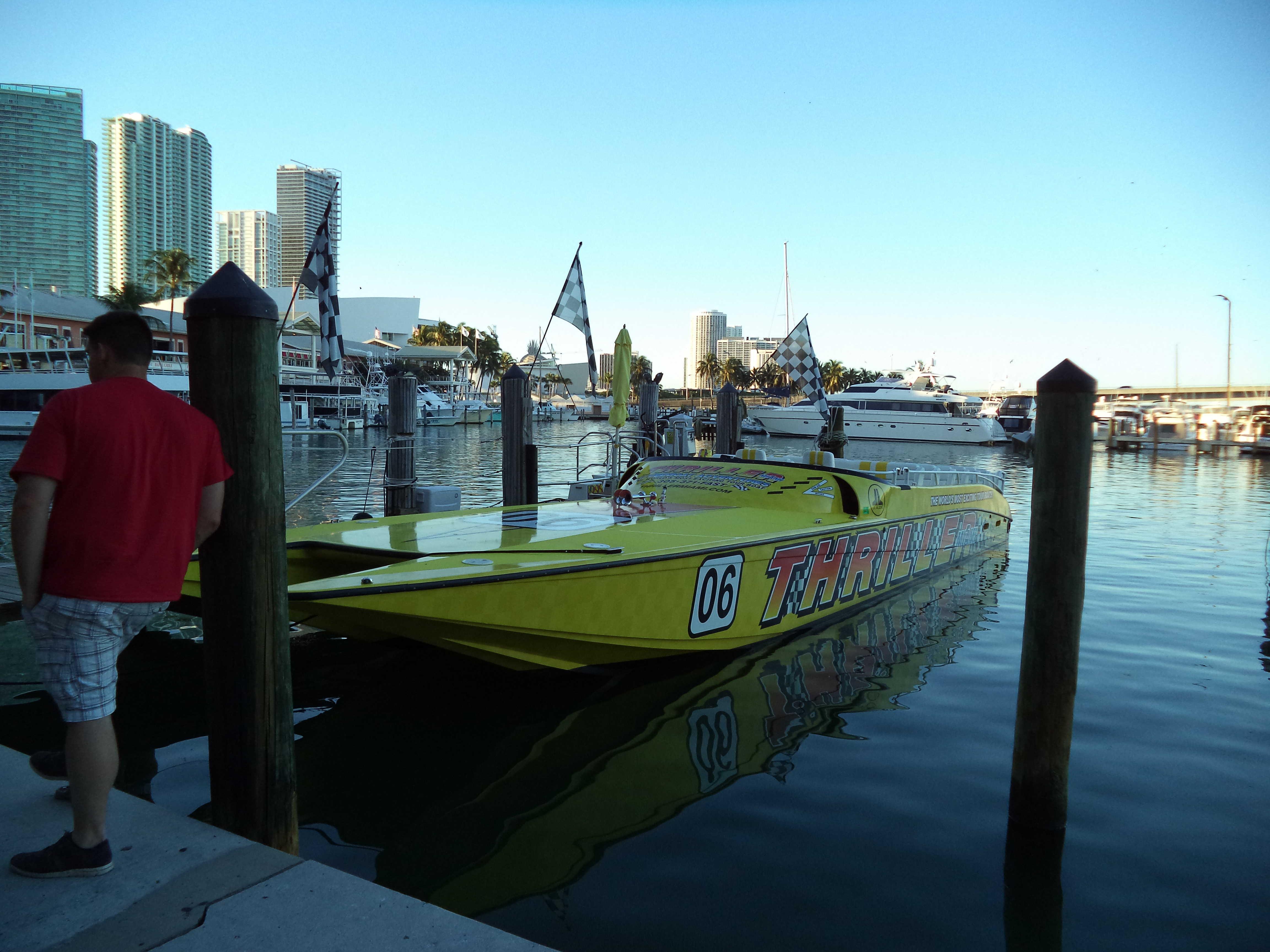 speedboat miami thriller