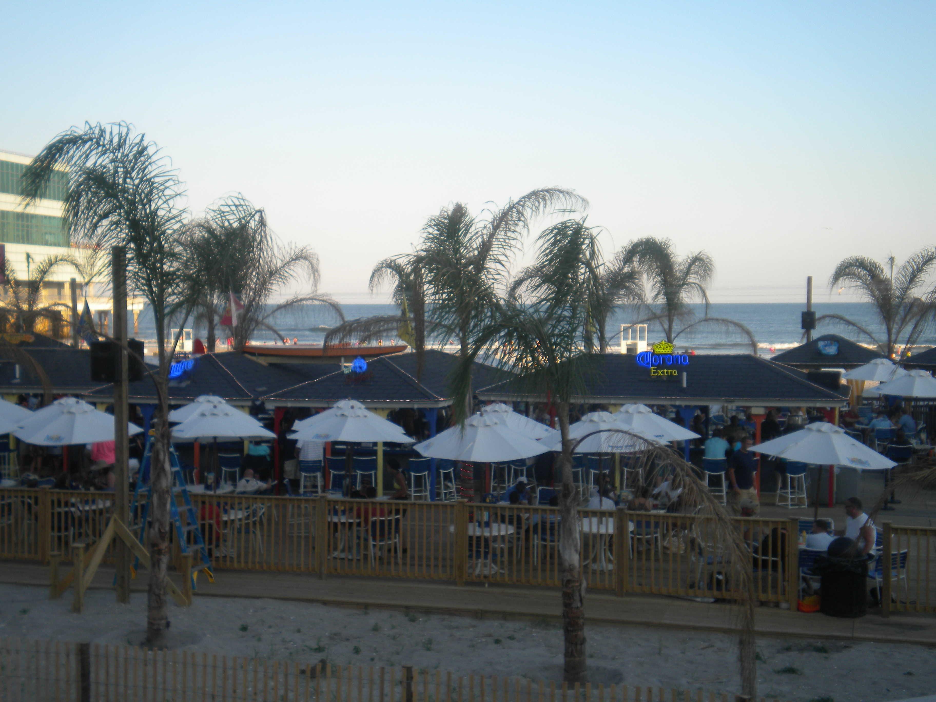 beach bar trump plaza