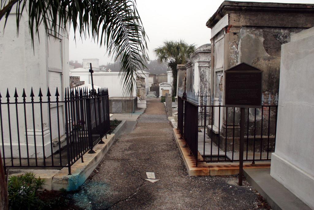 saint louis cimetière