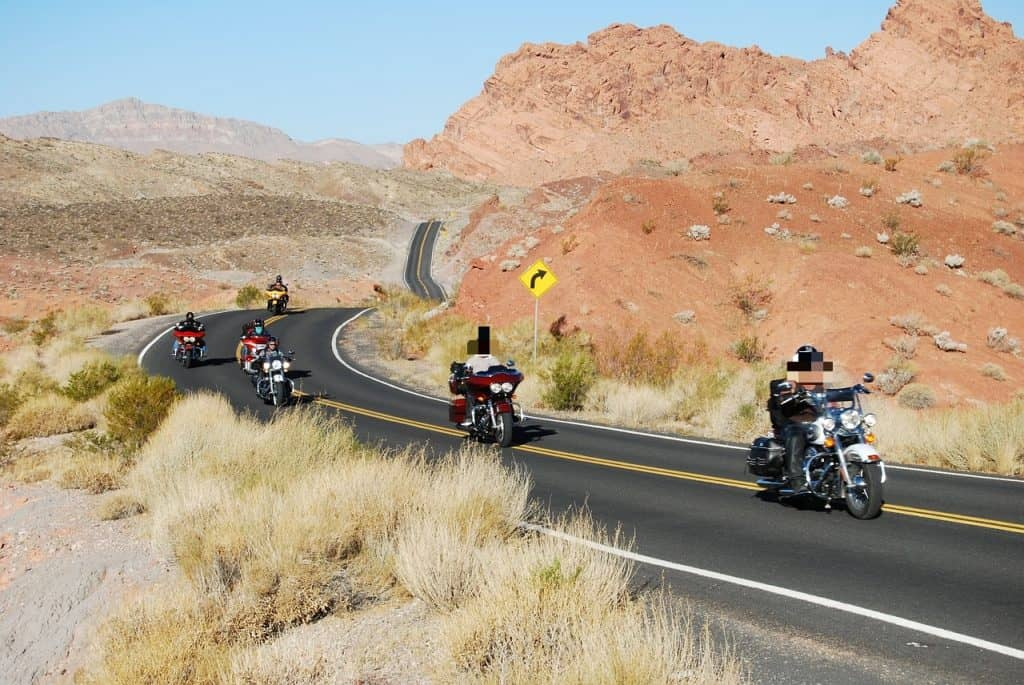 bikers sur la route