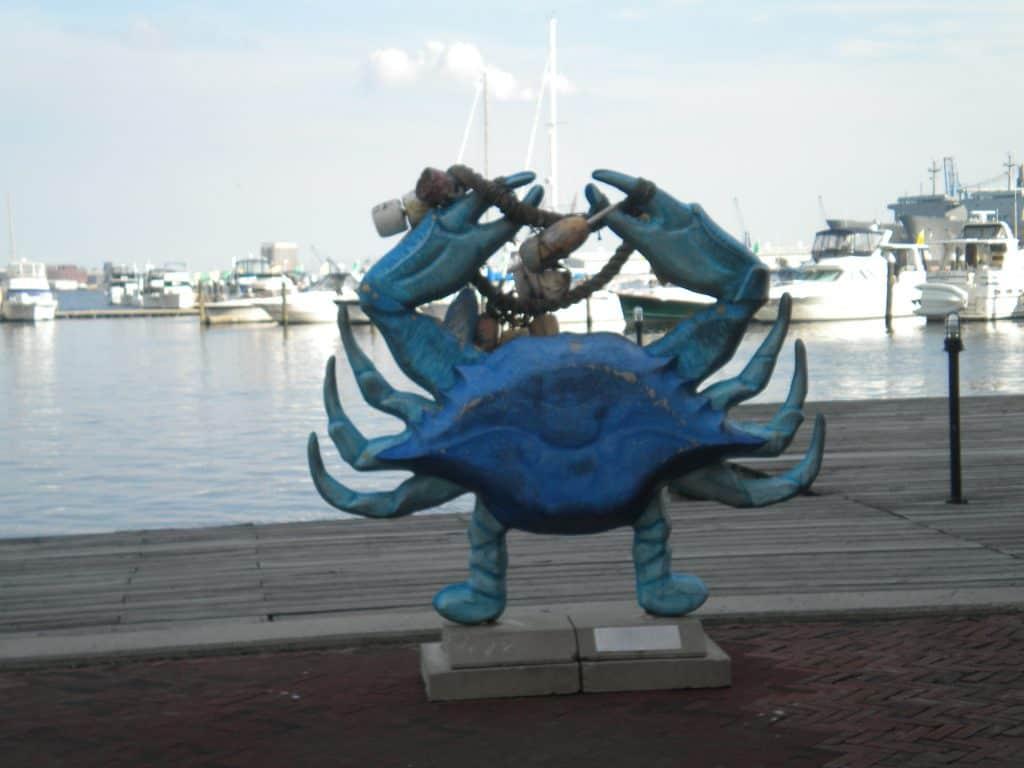 crabe statue baltimore