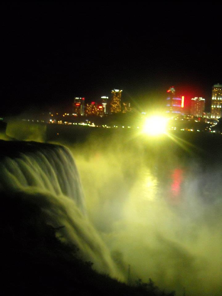 chutes du niagara nuit
