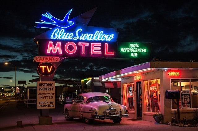 blue sawllow motel